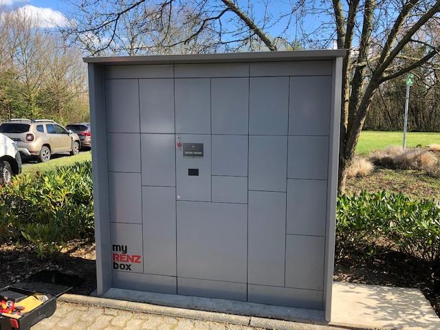Aufbau Einer Paketkastenanlage Von RENZ